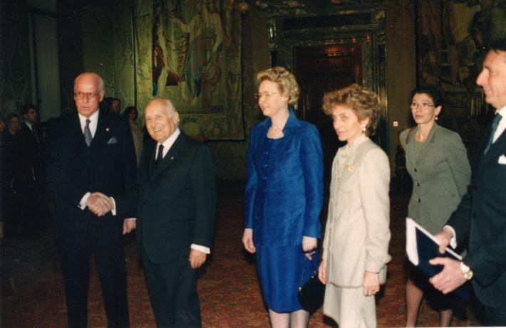 President Lennart Meri kohtumas Itaalia president Oscar Luigi Scalfaroga. Paremal Helle Meri ja president Scalfarotütar Marianna Scalfaro. Foto: Voldemar Maask, välisministeeriumi arhiiv