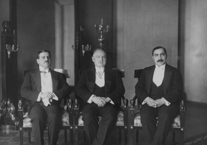 Italian Ambassador Augusto Stranieri presenting his credentials to the State Elder. From the left: Ambassador Augusto Stranieri, State Elder Konstantin Päts, Minister of Foreign Affairs Ants Piip. Photograph: National Archives