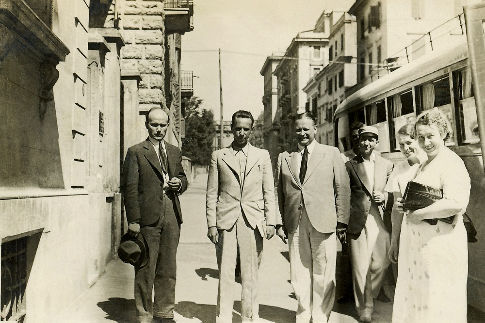 David Janson (third from the left) in 1935 with a group of Estonian tourists in front of the Embassy of Estonia in Rome. Photograph: private collection