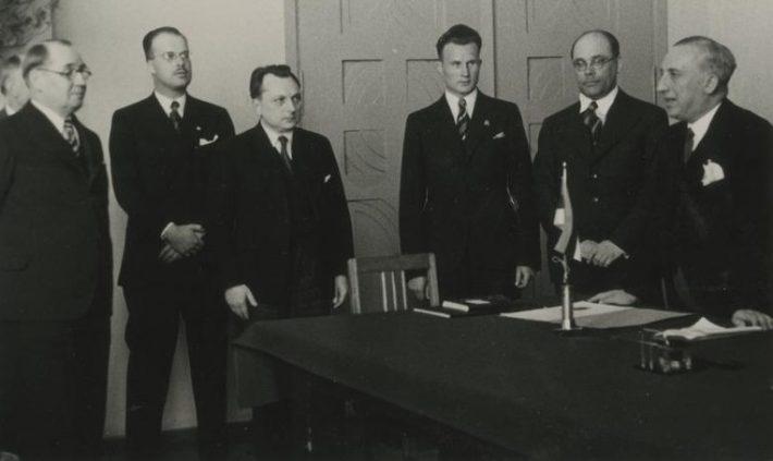Akadeemilise Itaalia-Eesti ühingu koosolek Itaalia saadiku Cicconardi külaskäigu puhul 22.05.1939. Foto: Rahvusarhiiv