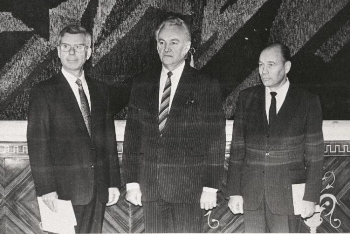 Ambassador of Italy Carlo Siano presented his credentials to Chairman of the Presidium of the Supreme Council Arnold Rüütel in Kadriorg on 30 October 1991. Photograph: National Archives, Erik Prozes