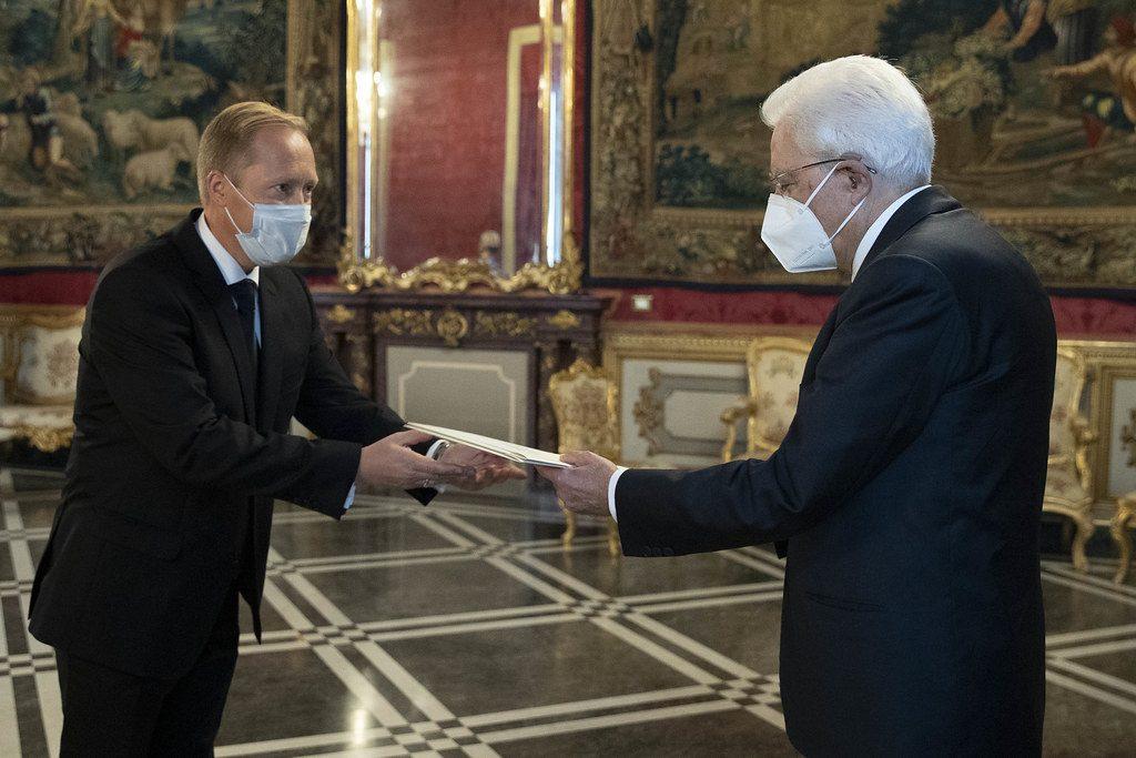 Ambassador Paul Teesalu presenting his credentials to President Sergio Mattarella. Photograph: Office of the President of Italy